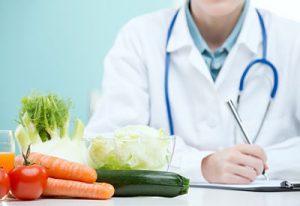 DIETISTAS-NUTRICIONISTAS:                                   Una profesión imprescindible en el servicio sanitario