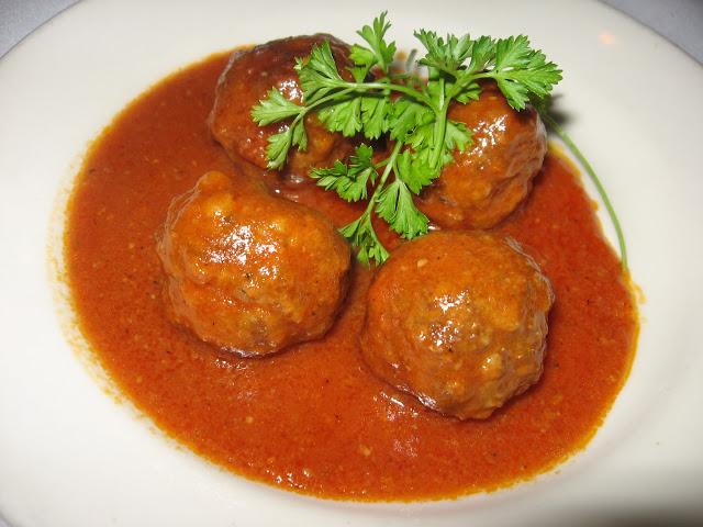 Albóndigas con tomate (4 raciones)